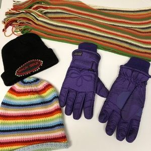 2 hats, a scarf and gloves